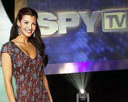 Spy TV escenas nudistas